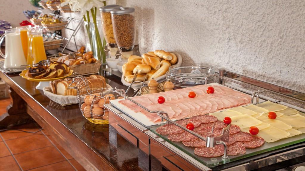 hotel-colosseum-roma-sala-de-desayuno-05