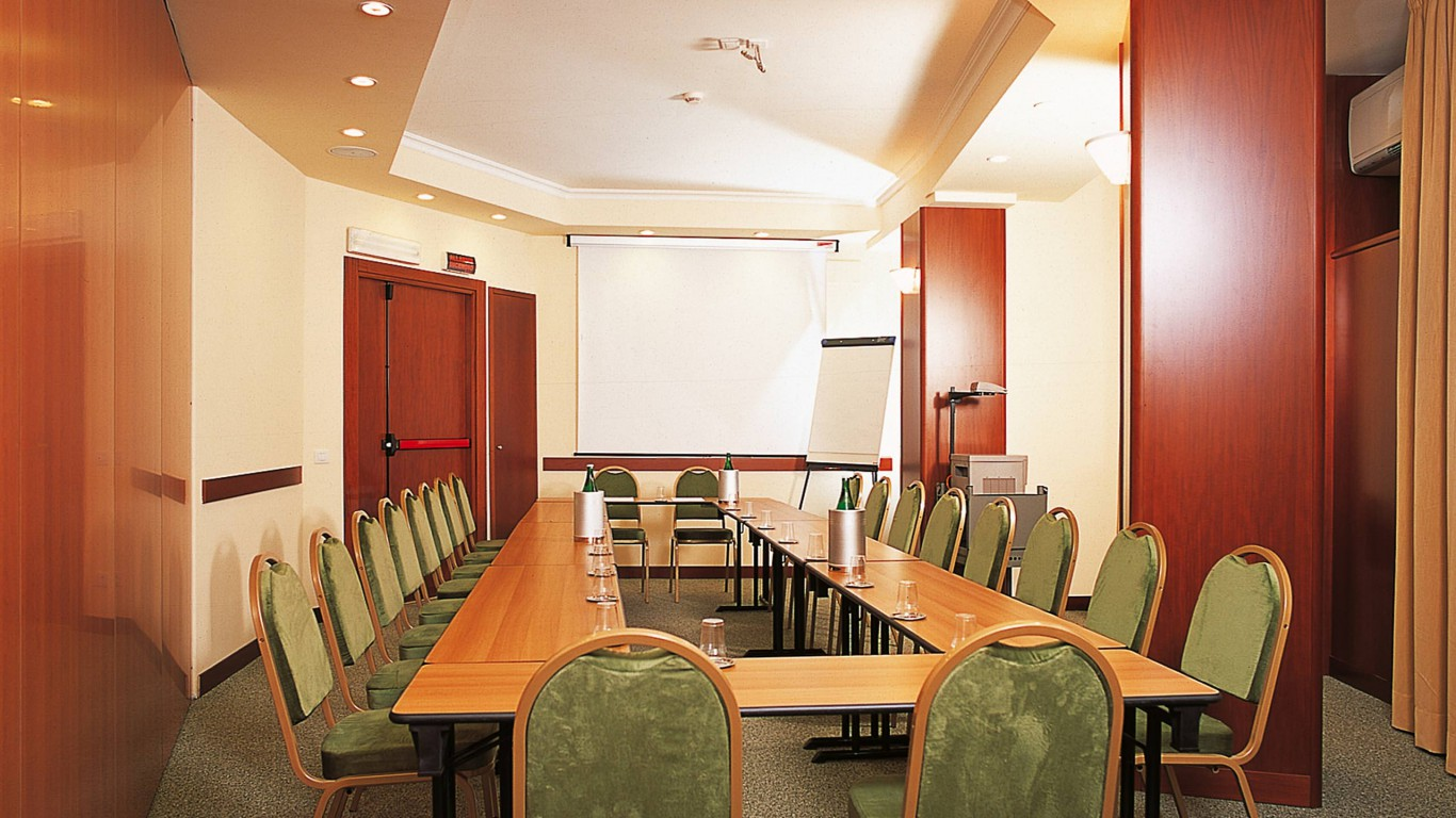hotel-colosseum-rome-meeting-room-8