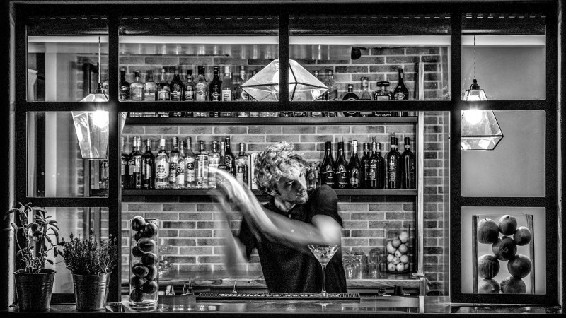 hotel-colosseum-rome-barman-nb